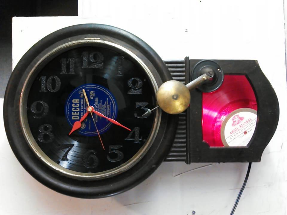 十津川村の古い旅館と共に眠ってた振り子時計を持ち込んできた方のオーダーです。